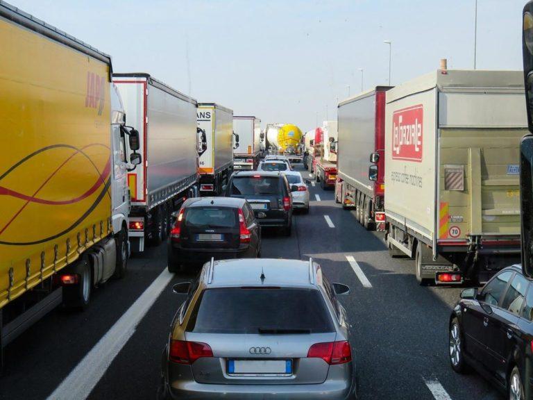 Jak wyszukać korzystne oferty używanych pojazdów?